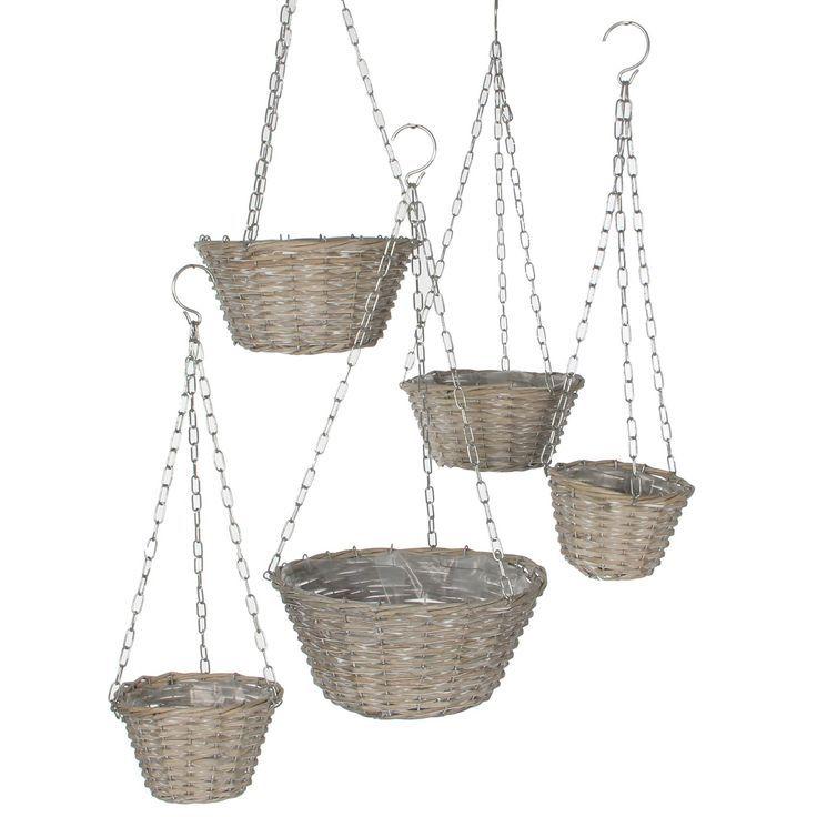ROTAN-WOONACCESSOIRES Een set gezellige rieten hangmanden met een verschillende diameter