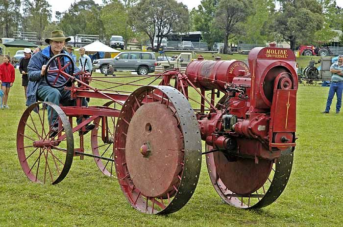 rare Moline 'Universal' tractor from 1919.