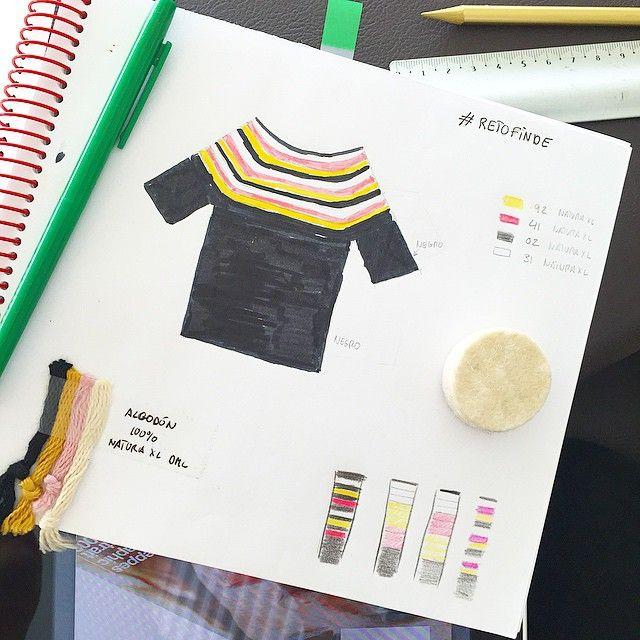 El #retofinde de @luymou cumple un año y para celebrarlo hace la segunda edición del jersey Natura XL de @dmcspain el sábado 23 de mayo #savethedate #NaturaXL Así que he sacado mi diseño del año pasado, por si os inspira, y a elegir mis colores para el de este año... Creo que algo mas navy... ⚓️ #crochet #tejerengrupo http://paseandohilos.blogspot.com.es