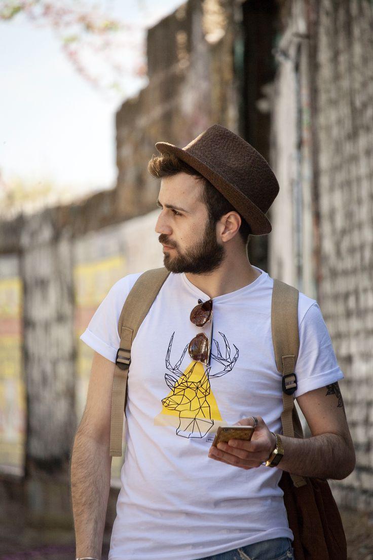 #ayellowmarkTshirt #tshirt #ayellowmark #deer #geometric #design #style #man