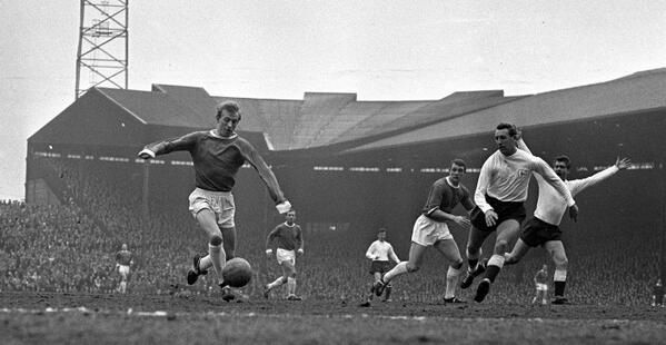 Fifty years ago today (9.11.2013), MUFC thrashed a North London side at OT... Denis Law scored a hat-trick in the 4-1 win over Spurs.