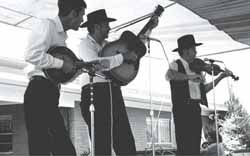 The North Louisiana String Band  By Susan Roach http://www.louisianafolklife.org/LT/Articles_Essays/north_la_string_band.html#tab9