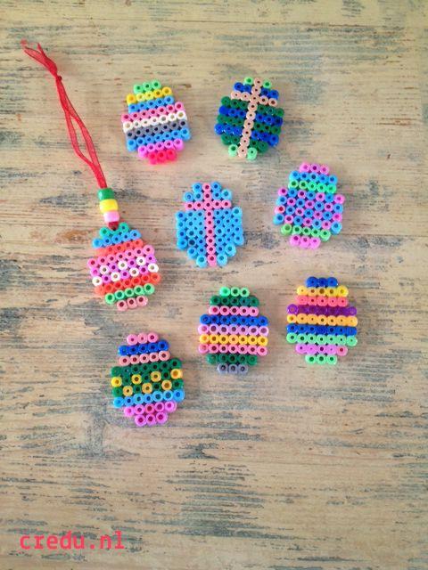 Credu.nl - Paashangers gemaakt met strijkkralen