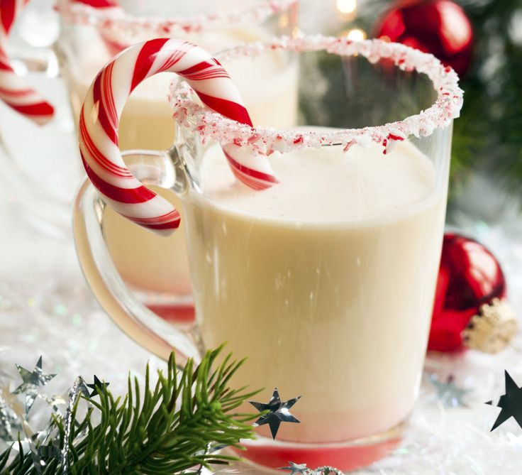 Learn how to make a delicious Choco-Peppermint Shake cocktail with Cordials, Vodka and Half and Half. Here's how to make Choco-Peppermint Shake like a pro. Drinks Alcohol Recipes, Punch Recipes, Yummy Drinks, Drink Recipes, Shake Recipes, Healthy Drinks, Cocktail Recipes, Lassi, Holiday Drinks