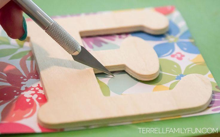 Cómo hacer letras de madera de papel del libro de recuerdos, cartas de madera DIY