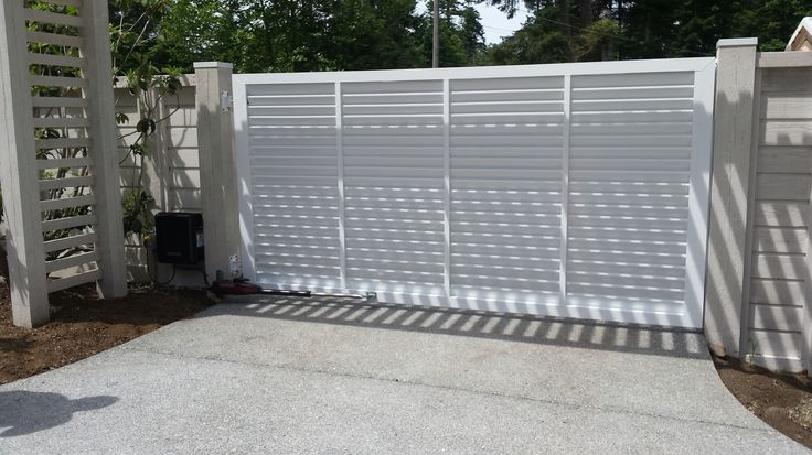 15 best custom aluminum gates images on pinterest for Aluminum gates for driveways
