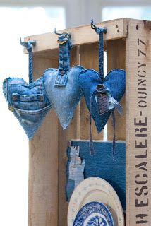 denim heart ornaments ... like tiny pillowers ... good use for favorite old jeans ...  Why didn't I think of using my denim scraps for lovely little pincushions? DUH!