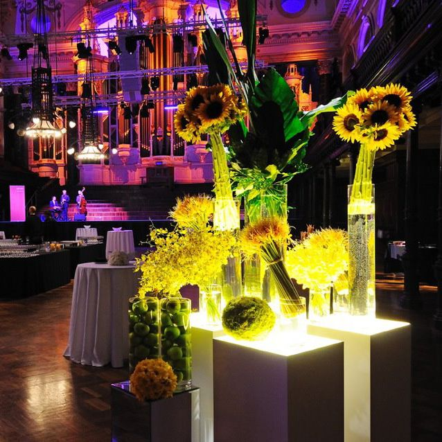 Striking event flower feature. For more event flower designs please go to www.naomijones.com.au.