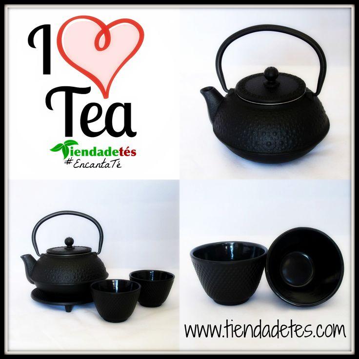 ¡¡Disponible en http://www.tiendadetes.com/tienda-de-teteras-de-hierro/1573-comprar-tetera-de-hierro-08-l-verde.html!! Juego de té de hierro fundido compuesto por tetera de 0,6l con filtro de acero inoxidable, posatetera y dos vasos.Válida para gas, vitro e inducción. #Té #Tea #TeaTime #AccesoriosTé #Tetera #Teteras #Relax #Infusiones #Tiendadetés #Te #Tes #TeteraHierro
