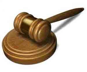 Sumber-sumber hukum dapat diklasifikasikan menurut konteks sumbernya dan dapat diklasifikasikan dalam 2 (dua) jenis sumber hukum, yakni material dan formil.