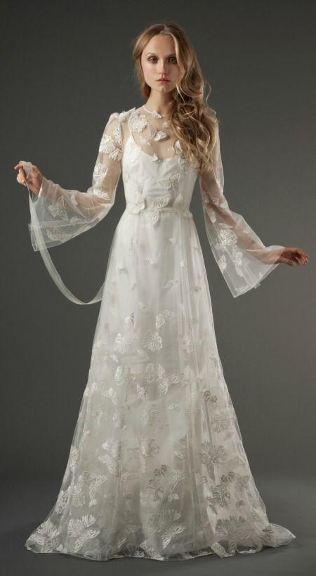 "Elizabeth Fillmore's ""Evangeline"" wedding dress. Boho-chic wedding, anyone?"