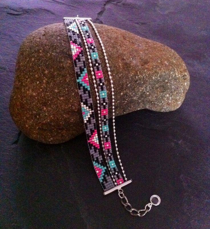 Bracelet Manchette Multirangs Motif Aztèque rose fluo, turquoise,gris, noir et argenté ! : Bracelet par thedreamfactory