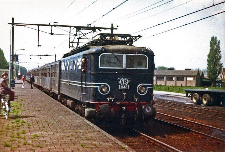 NS 1148 met plan E rijtuigen Rilland-Bath 1973. Deze foto kreeg ik van een collega. Fotograaf is Hans Wiskerke