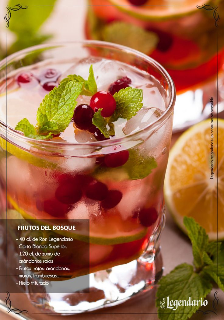 Ron Legendario cocktail: Frutos del Bosque.  Arandanos rojos.
