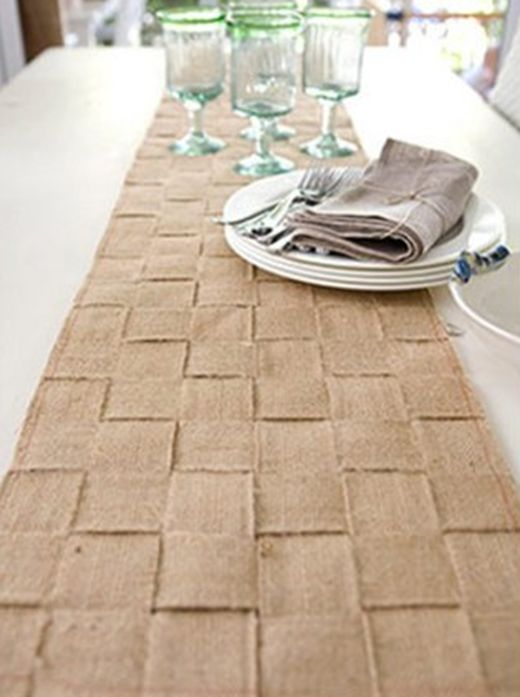 Burlap Table Runner U2013 No Directions But I Like The Woven Idea