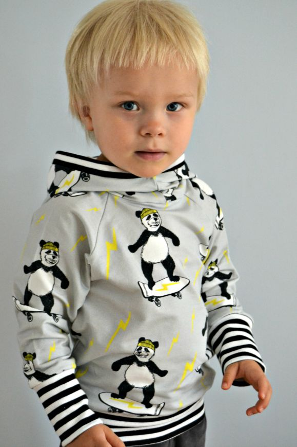 MALLIKELPOINEN blog. A hoodie made from book: Heilt speciell og jubel