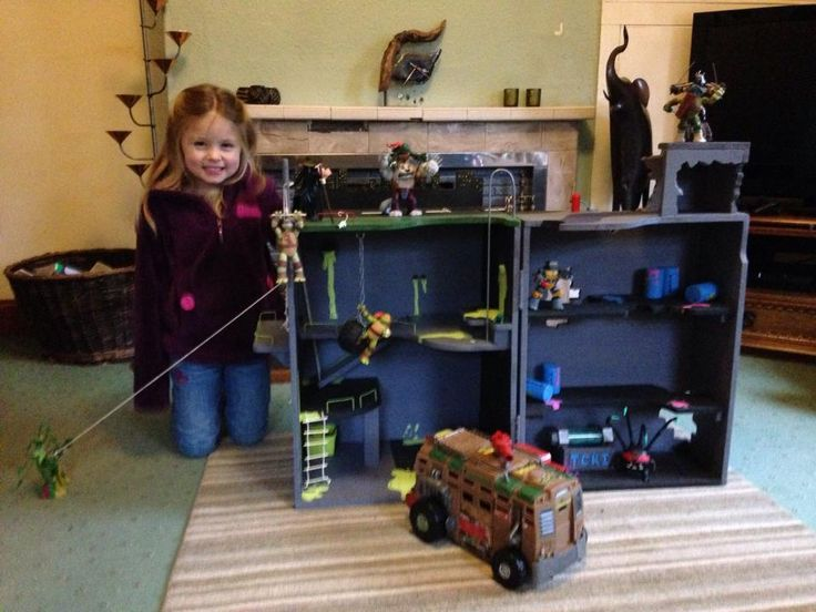 Showcase Super Dad Handcrafts Tmnt Lair Playset For His