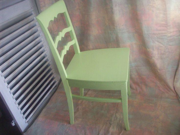 Vintage Stühle - Vintage Holzstuhl mit zackiger Lehne - ein Designerstück von Schaetze-von-Gestern bei DaWanda