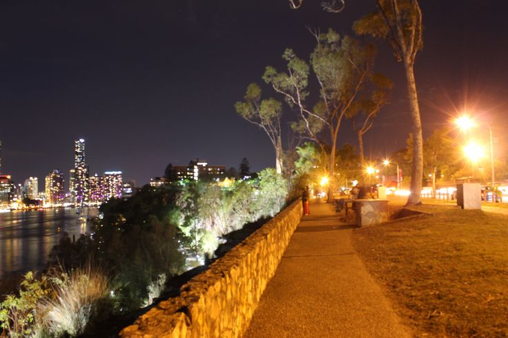 Path at kangaroo point cliffs