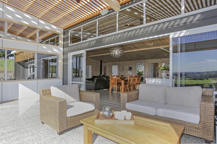 Indoor / outdoor living at its best!
