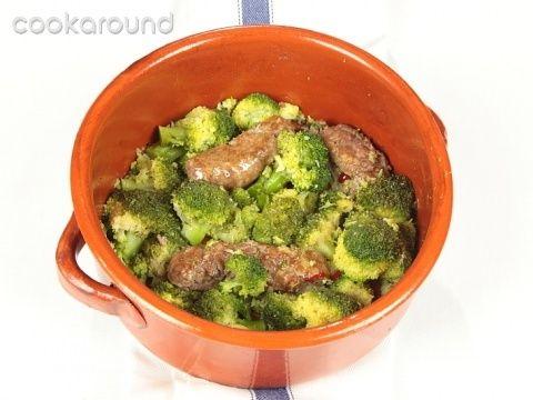 Salsicce coi broccoli: Ricetta Tipica Lazio | Cookaround