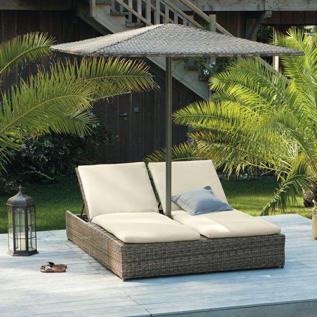 bain de soleil deux places en résine tressée et parasol assorti