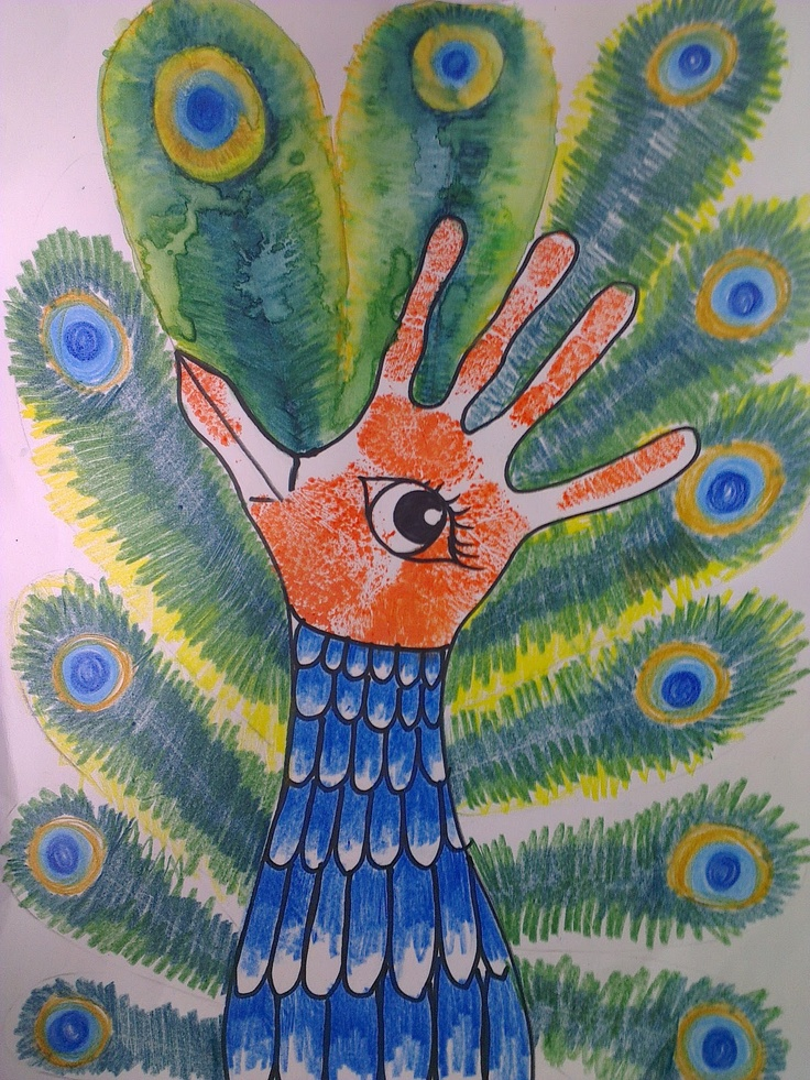 Once upon an Art Room: Handprint Peacocks http://www.onceuponanartroom.com/2012/06/handprint-peacocks.html