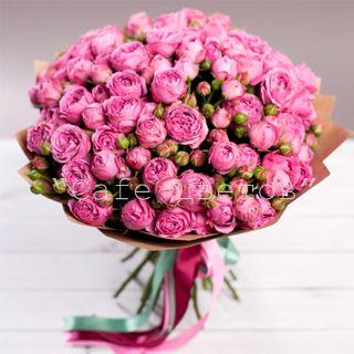 Букет цветов из 25 Кустовых Роз