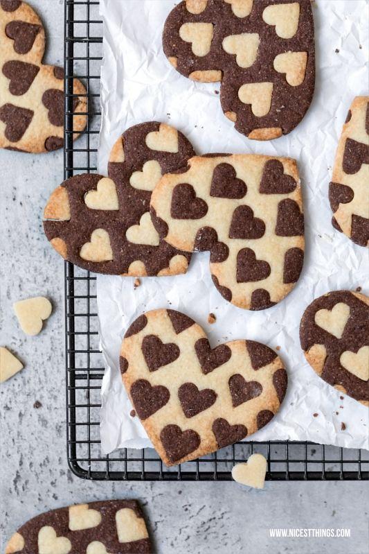 Zweifarbige Herz Kekse oder Plätzchen / Bicolor Heart Cookies