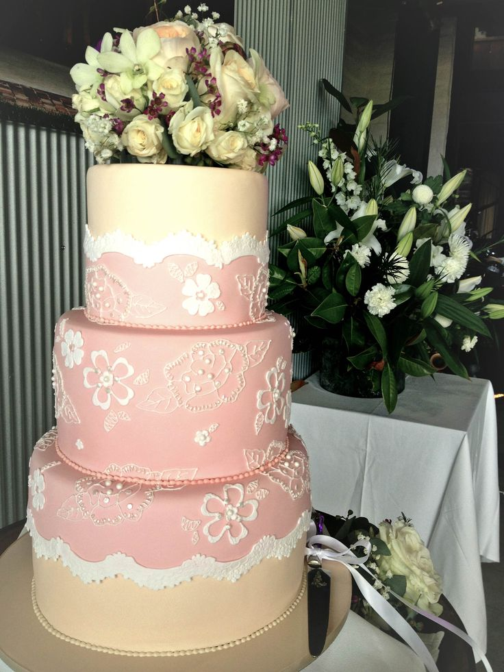 Pink wedding cake at Yarra Ranges Estate. Winery Wedding | Yarra Valley Wedding | Dandenong Ranges Wedding