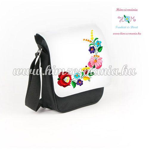 Kalocsai mintás hímzett fekete táska ... http://himzesmania.hu/Kalocsai-mintas-taska---gepi-himzes---fekete