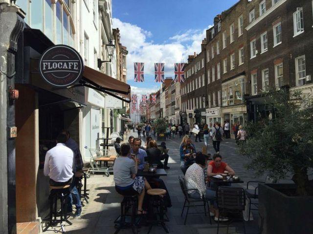 Τα Flocafe Espresso Room εξάγουν και στο Λονδίνο την τέχνη του καφέ