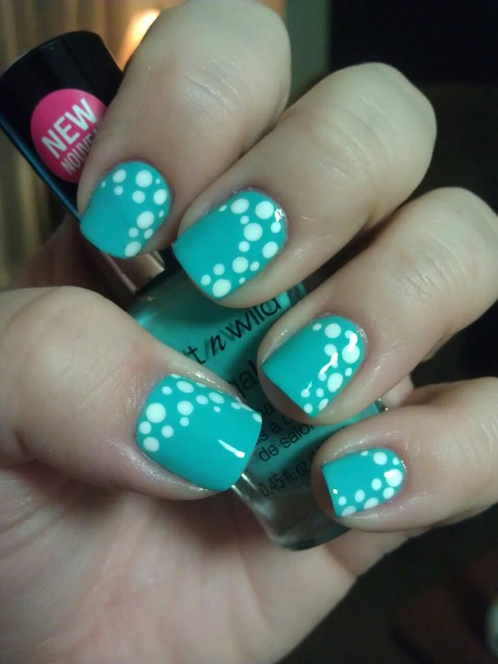 Wet N Wild nail polish! Pretty design!