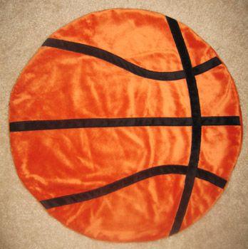 DIY basketball blanket tutorial...AHHH! Oh my gosh! Want one! Now!