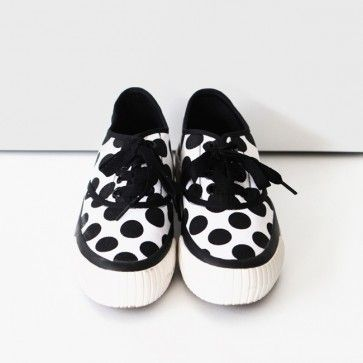 [Dot Sneakers] White canvas #sneakers featuring an allover dot print. Lace-up top. Round toe. #polkadot #cuteshoes #cutefashion #cutestyle #dalmatian #koreanshoes #shoes #koreanfashion #fashiontoany #fashion2ne