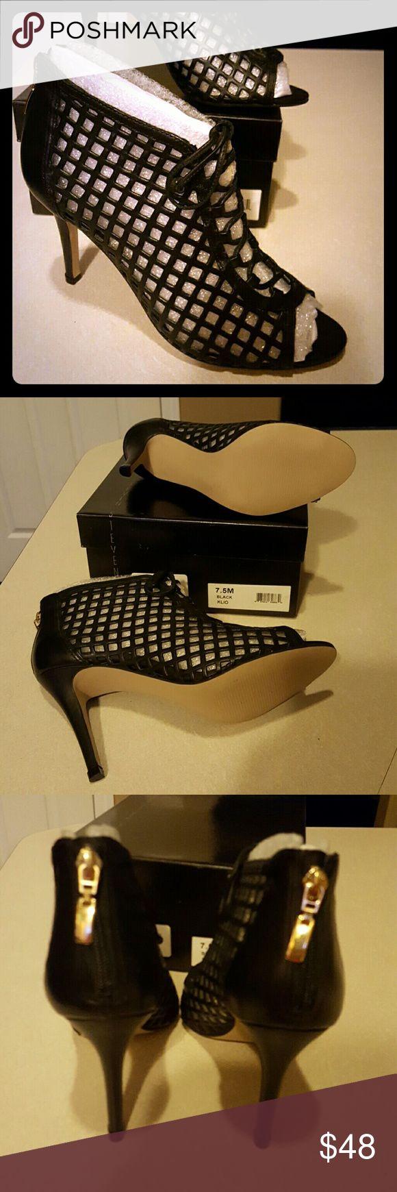 New Steve Madden Brand new Steve Madden Klio heels, gorgeous, sexy and versatile, 7.5, black heel is 4 inches. Steve Madden Shoes Heels