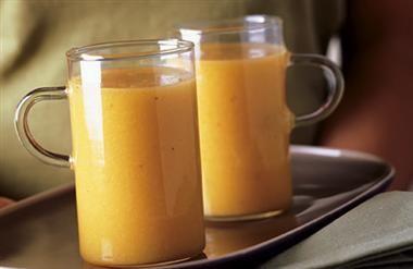 Recept Vooruit Met De Geit. Kom op, je bed uit! Tijd voor een lekkere ontbijt smoothie! Maak je klaar voor de dag met deze geitenmelk smoothie. Lekker met mandarijn en banaan. We wensen je een heerlijke dag toe.