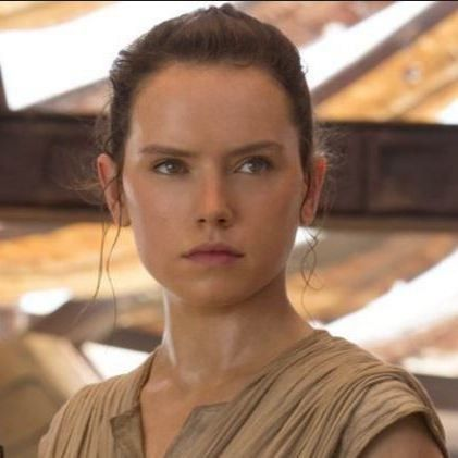 This Person Just Came Up With The Most Mind-Blowing Theory About Rey's Family In Star Wars