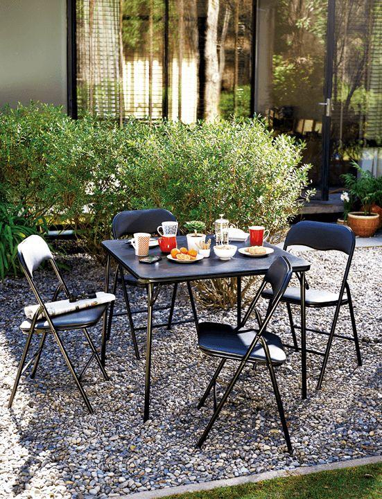 ¡La vida al aire libre puede ser mejor si la disfrutas almorzando o tomando un té en este juego de terraza plegable!  Encuéntralo en Easy.cl  ¡Cambia, vive mejor!  #Terraza  #Deco #Primavera #EasyTienda #TiendaEasy #primaveraverano #cambiavivemejor