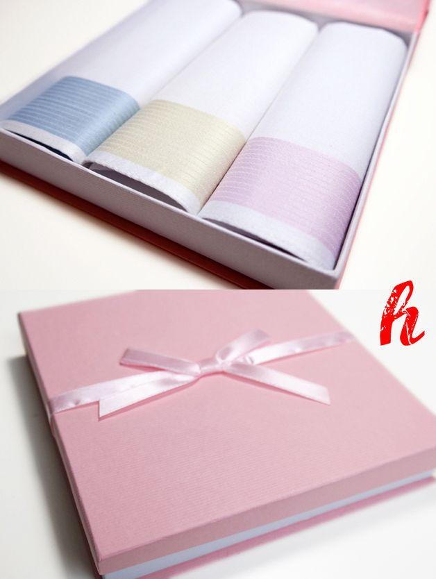 Taschentücher - Besticktes 3er-Set Taschentücher in Geschenkbox - ein Designerstück von habseligkeiten bei DaWanda