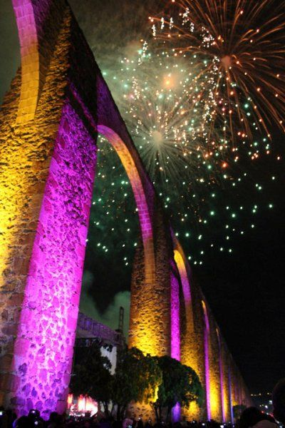acueducto18 Se inaugura la iluminación del Acueducto de Querétaro  The Aquaduct in Queretaro my beautiful City!