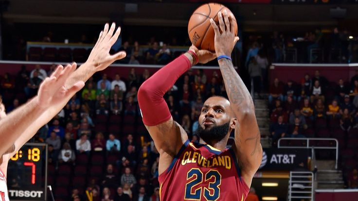 Elbow injury forced LeBron James to change shooting motion - ESPN