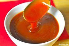"""""""Кисло-сладкий соус""""  Ингредиенты: - 2 небольших луковицы - 2 зубчика чеснока - 1 кусочек имбиря (примерно 5 см длиной) - 2 ст. л. растительного масла (я использовала оливковое) - 2 ст.л. соевого соуса - 2 ст.л. сухого белого вина - 1 ст.л. яблочного уксуса - 3 ст.л. кетчупа - 2 ст.л. коричневого сахара - 125 мл фруктовый сок (апельсиновый, или ананасовый - или ананасовое пюре), - 1 ст.л. крахмала - 2 ст.л. воды  Приготовление: 1. Мелко нарезаем лук, чеснок и имбирь. 2. Хорошо нагреваем…"""
