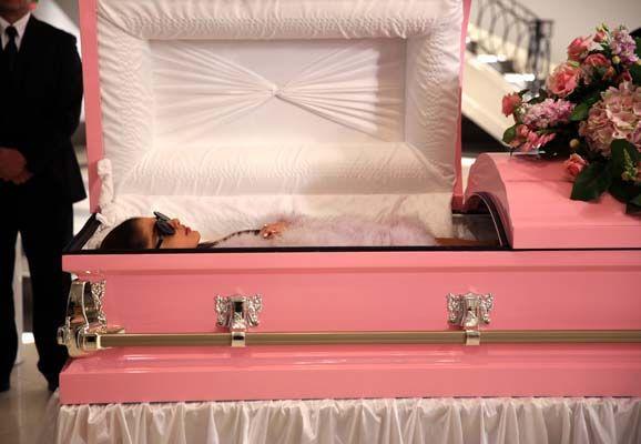 BuddyTV Slideshow | 'Scream Queens' Episode 7 Photos: Chanel #2 Returns
