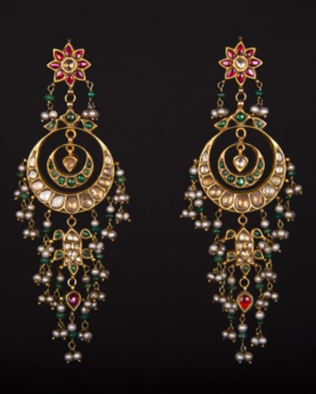 #chandbali #earrings #polki #gold #kundan