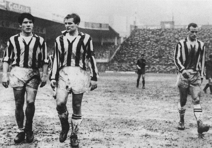 Juventus tuvo delanteras fantásticas, entre las más recordadas esta el llamado trió mágico entre 1958 y 1961; conformado por Giampiero Boniperti capitán del equipo, el argentino Enrique Omar Sívori y por el galés John Charles. Juntos ganaron tres scudetti  y dos Copas de Italia.