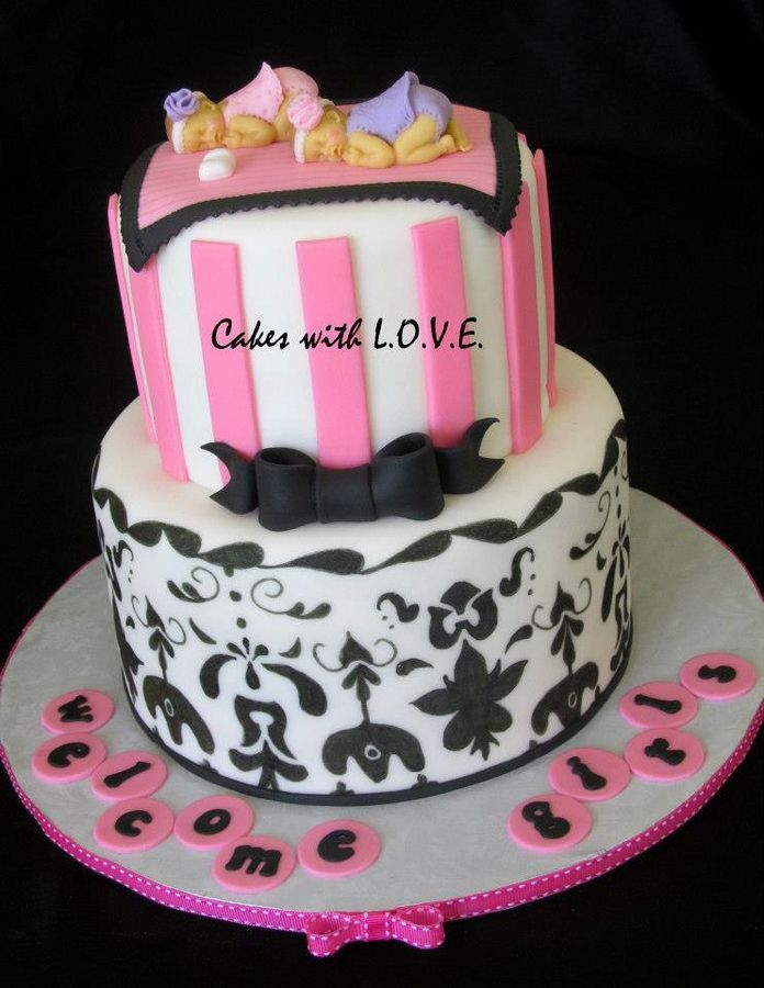 Twin baby shower cake with handpainted details to match for Baby shower decoration twins