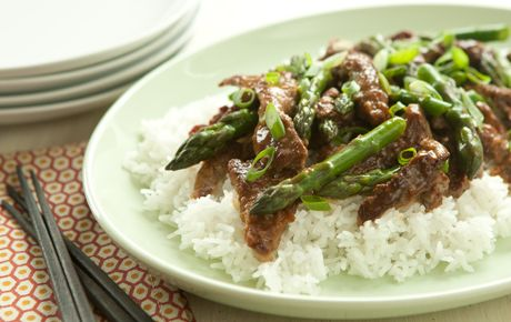 YUM!  Steak and asparagus stir-fry!  I think adding shredded carrots would be good, as well!  Or substituting broccoli!