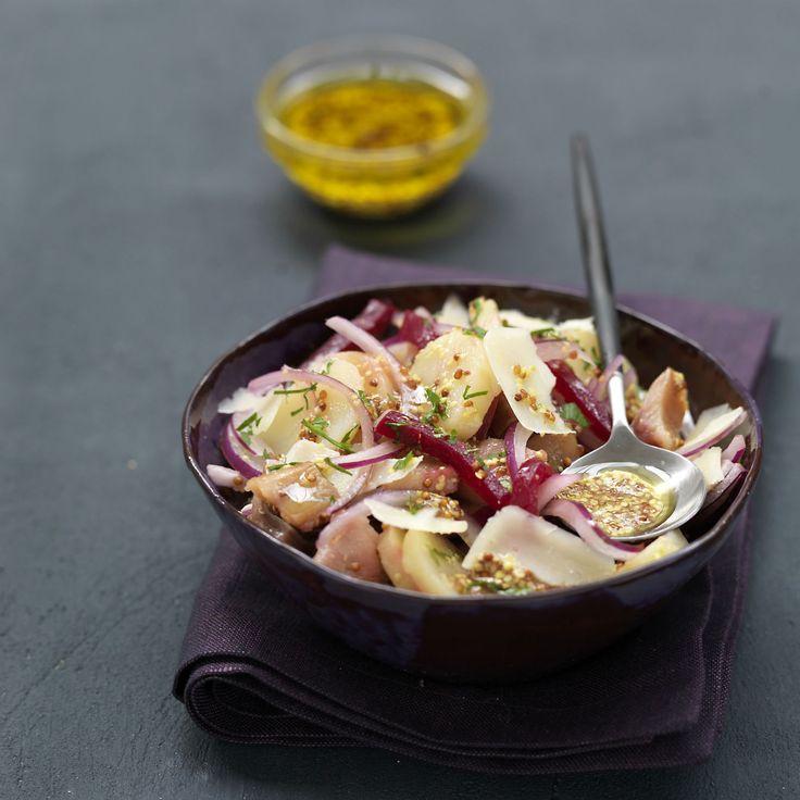 Découvrez la recette Salade de harengs fumés à la tomme de brebis sur cuisineactuelle.fr.