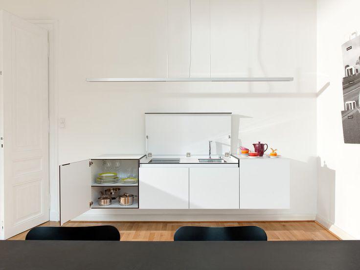 miniki slimline Küche Modul sl1 und zwei sl3 Module geöffnet im Büro